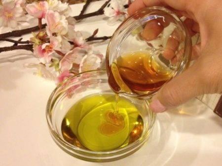 Маска с медом и маслом