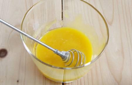 Маска с желтком